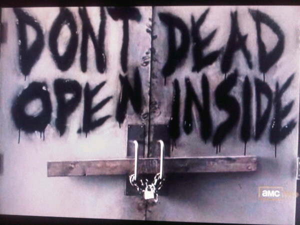 DON'T DEAD, OPEN INSIDE